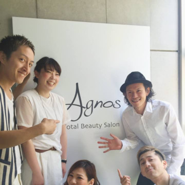 Agnos 青山 スタッフ写真@サロン入り口